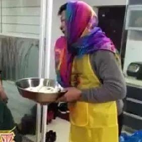 温州这位大哥卖蛋,笑死了