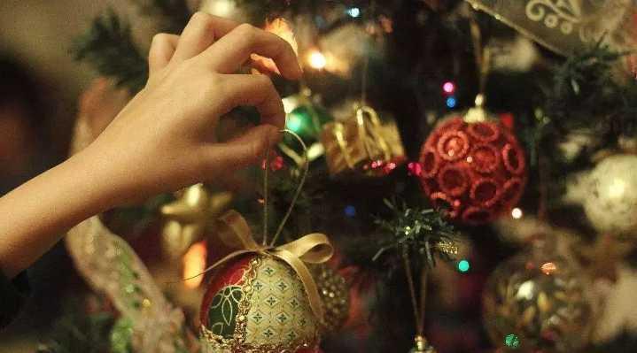 下周末,翼掌柜和老胖子要在圣诞市集上开家@单身...
