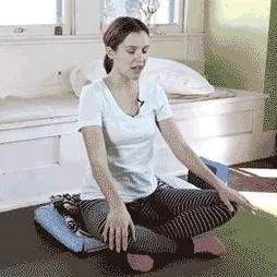 """【瑜伽体式】""""大姨妈""""来了,练瑜伽,5天瘦6斤..."""