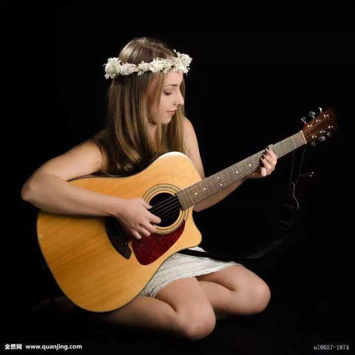 古典吉他美女:《加州旅馆》听到停不下来
