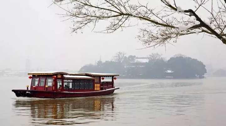 冬游南湖:踏雪 · 寻梅 · 吃船宴