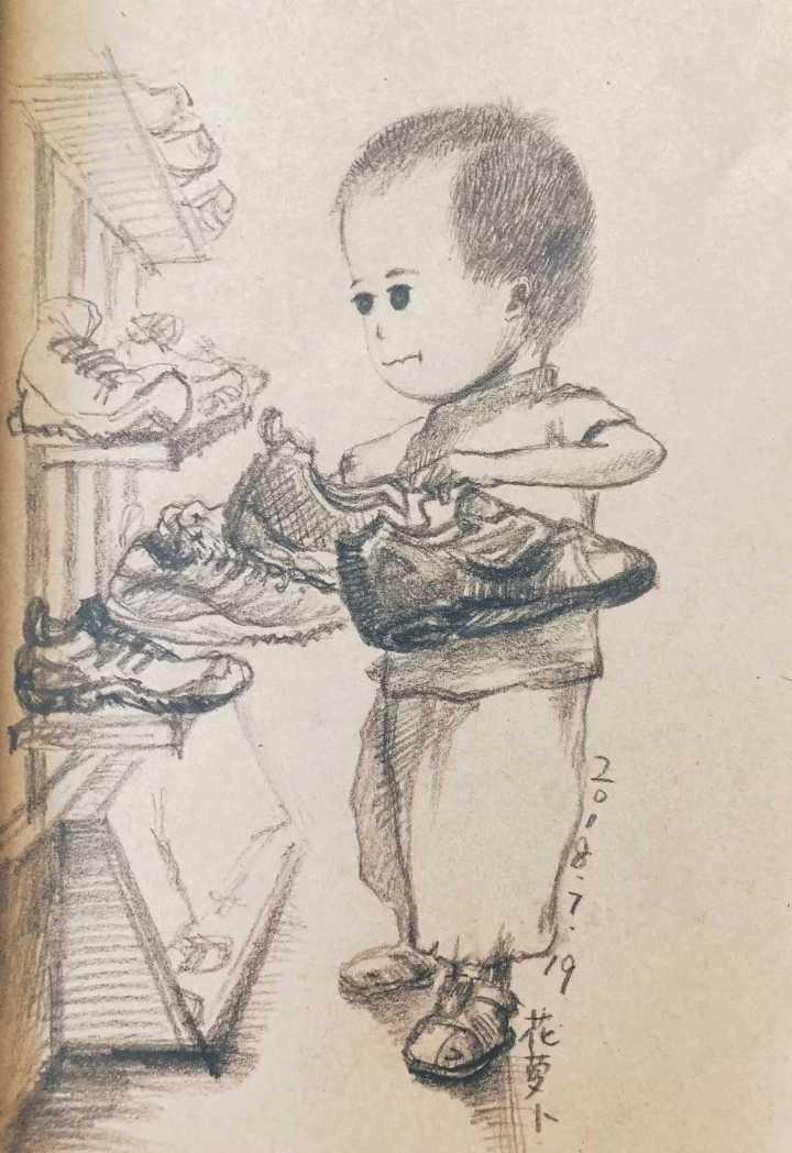 每次逛店啥的就怕遇到儿子突然发作的强迫症……正按照自己想法在整理鞋架的一山。.webp