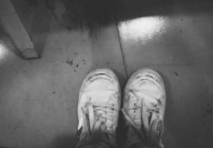 脏鞋子.jpeg