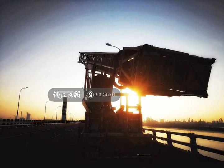 桥检车.jpg