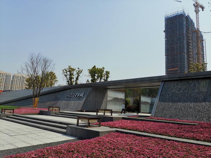 龍湖江與城.jpg