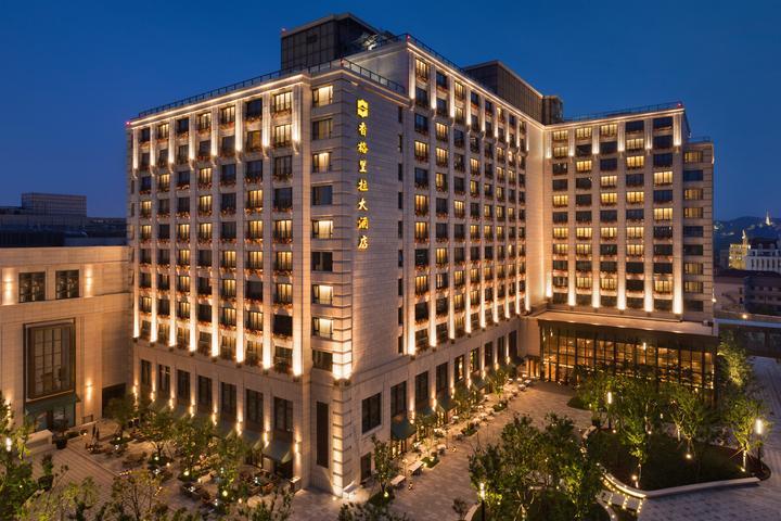 Hotel Facade Courtyard Night View 酒店外观夜景.jpg