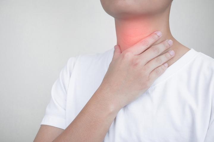 喉咙痛.jpg