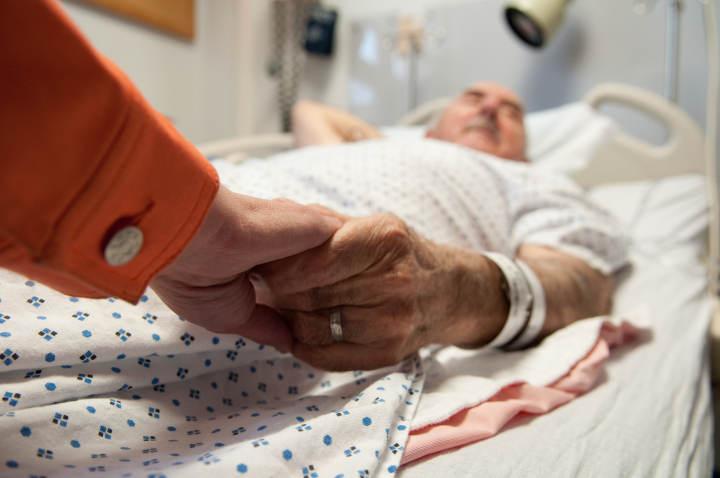 昨夜急诊 小感冒不重视,八旬老人竟至呼吸心率衰竭