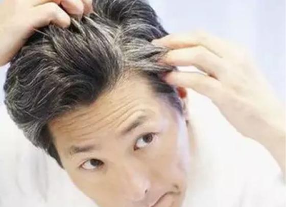 白发增多,小心动脉硬化!每天坚持吃它,黑发更多...