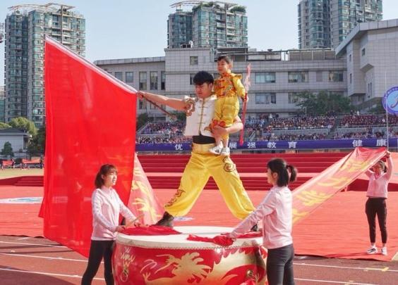 绿洲花园幼儿园预祝下城区中小学生田径运动会圆满...