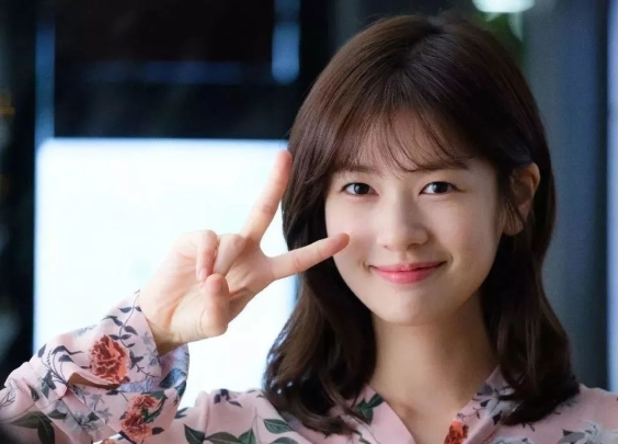 为什么韩剧女主一般不高,但是穿衣服都这么好看?