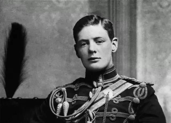 1895年的温斯顿·丘吉尔