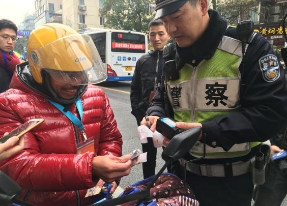 查处非机动车违法总量,杭州今年全国第一