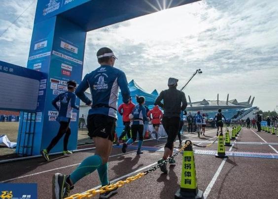 最多跑了498圈,这些杭州人完成了一个了不起的挑战