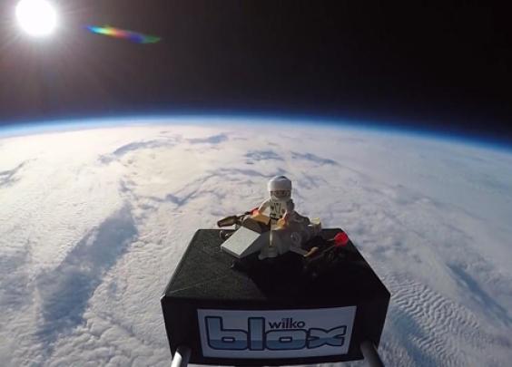 厉害!英小兄妹获机会将航天玩具发射至太空