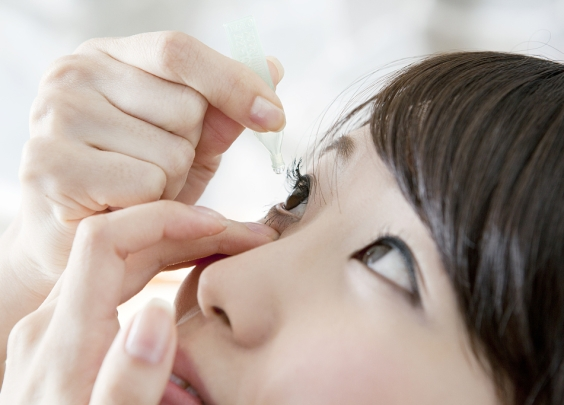眼胀,眼充血,干眼你可能滴了假的眼药水