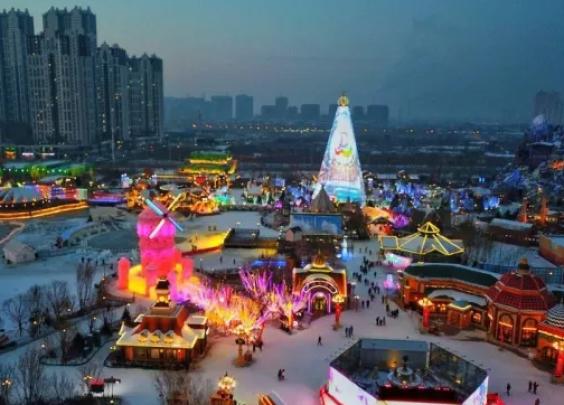 哈尔滨万达冰灯大世界 共赴冰雪奇幻之旅