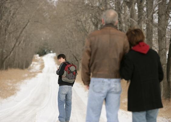 留学生越走越远,原生家庭只能站在原地