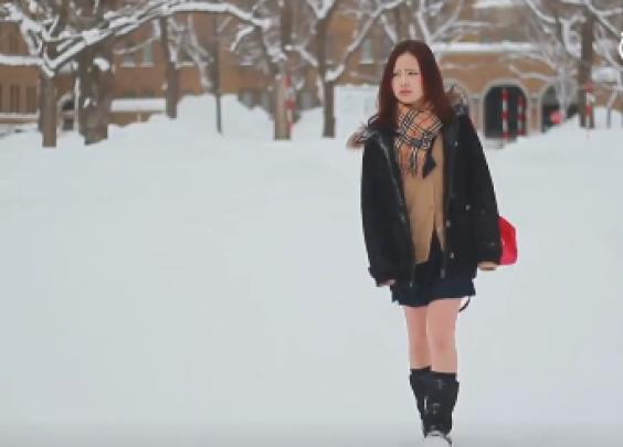 日本女生冬天穿短裙真的不冷吗?北海道女高中生告...
