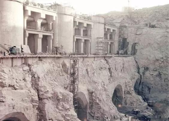 1964年4月,埃及,建设中的阿斯旺大坝