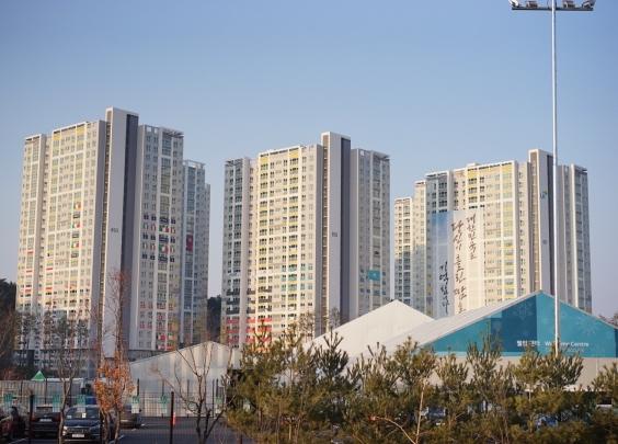 钱报记者探访江陵奥运村,偶遇两位中国花滑女将