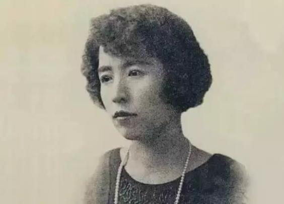 她是民国第一女神,总统秘书,上海滩巨富,美貌绝...