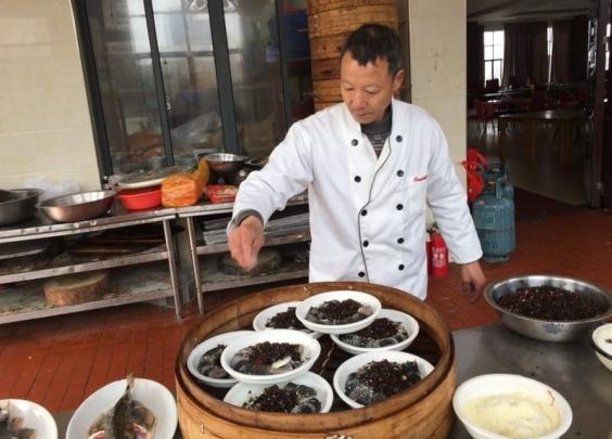 【晨读】杭州城里流水席,吃得实惠又时髦