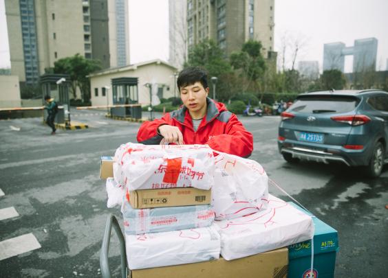 连着两年过年不回家,他的理由让杭州人民感动泪目