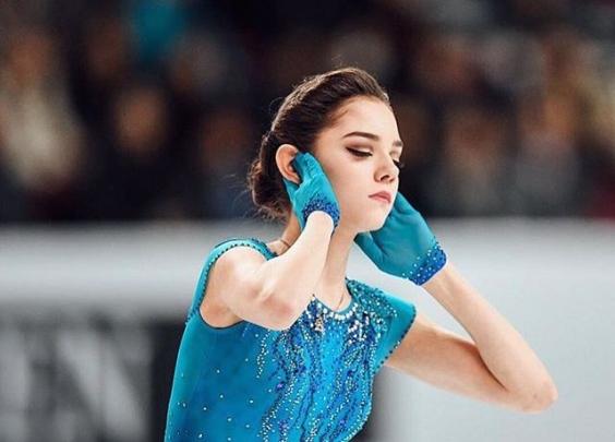 冬奥会上这个18岁的姑娘颜值逆天,简直就是真人...