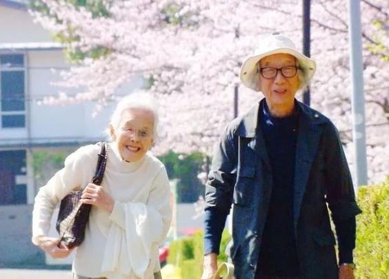 日本178岁最甜夫妻,告诉你相处不累、感情保鲜...